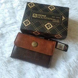 NWT Stone Mountain Genuine Leather Wallet